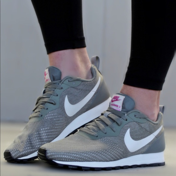 Nike Womens Md Runner 2 Eng Mesh Run Running Shoes.  M 5afcd729739d480443f3745d 0423e6dea5278